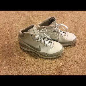 Nike Elite Sneakers